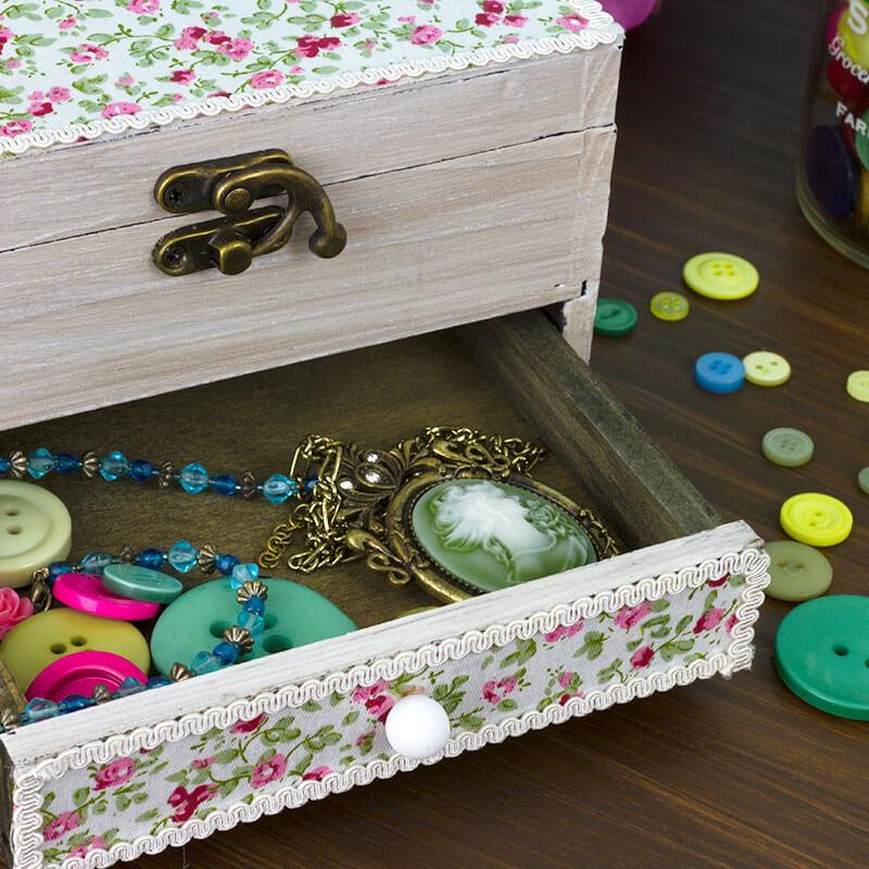 Daisy Jewellery Box