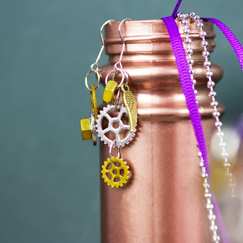 Make Your Own Steampunk Jewellery