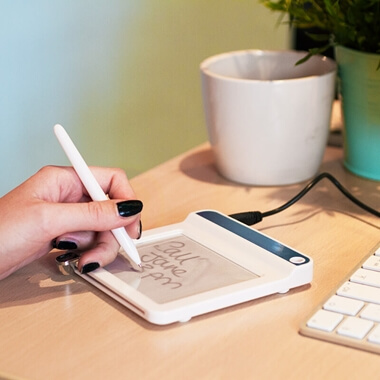 Erasable Memo Pad With 4 USB Ports