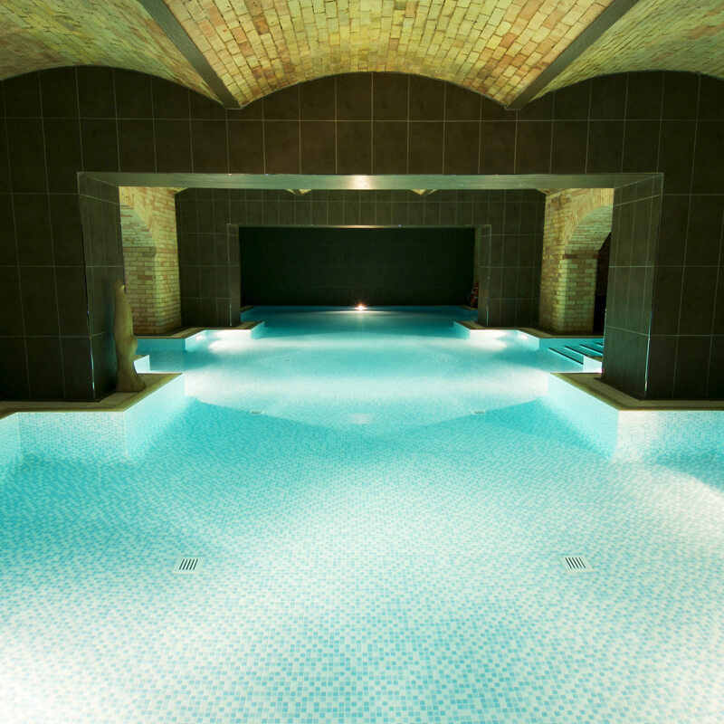 Special Offer for 2 Bannatyne's