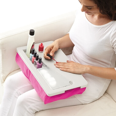 Laptop Manicure Salon