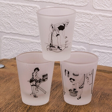 Happy Housewives - Set Of 3 Shot Glasses