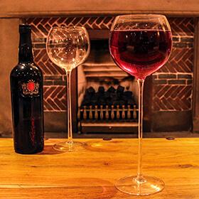 Long Stemmed Wine Glasses x 4