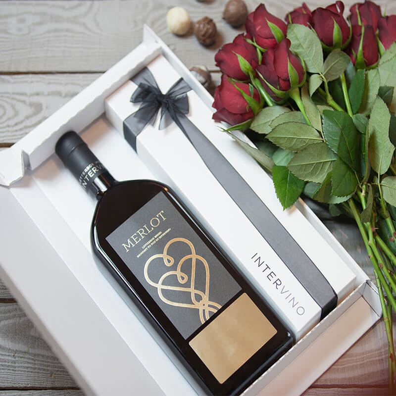 Personalised Letterbox Wine & Chocolates - Red
