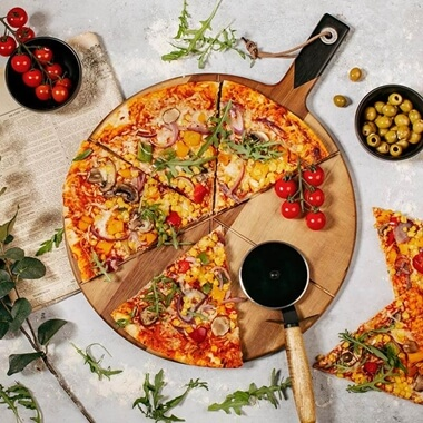 GH Pizza Cutter & Serving Board