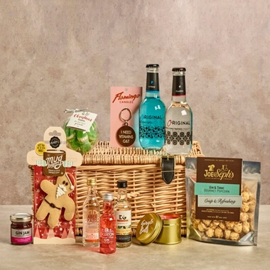 Festive Gin Wicker Gift Hamper