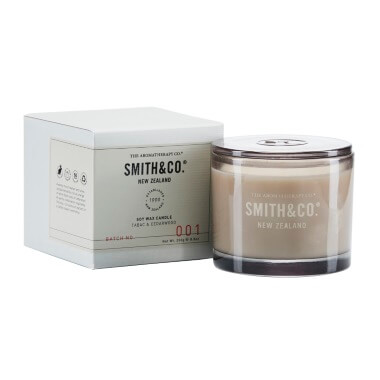 Smith & Co Tabac & Cedarwood Candle
