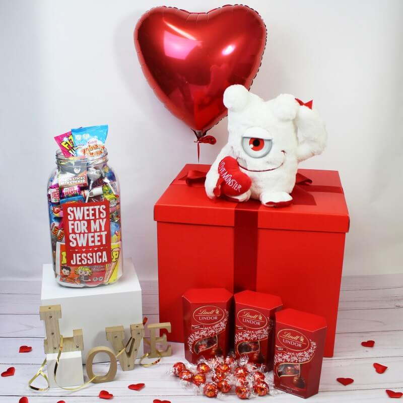 Personalised Deluxe Valentines Gift Box