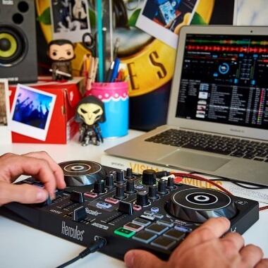 Hercules DJ Control Inpulse 200 Starter Kit