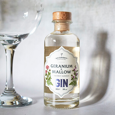 The Old Curiosity Secret Garden Gin - Geranium And Mallow 20cl