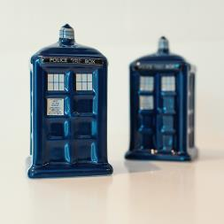 Dr Who Tardis Salt & Pepper Shakers