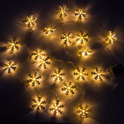 LED Light Up Snowflake Garland