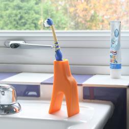 Grace The Giraffe Toothbrush Holder