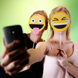 Get Emojinal Selfies